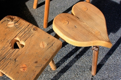 Estetyczne i wytrzymałe taborety drewniane