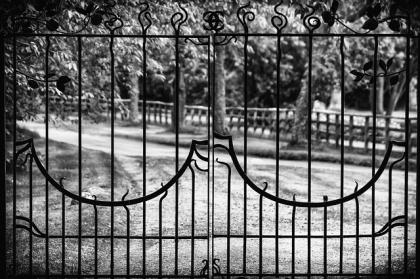Montaż bramy, płotu i furtki