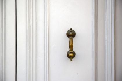 Uchwyty meblowe — praktyczne i wytrzymałe